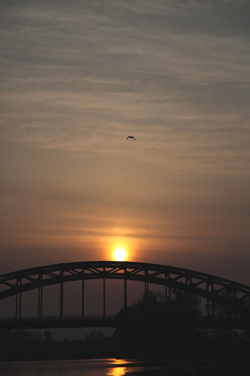 1005旭橋の朝日03