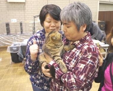 14)ジャパン父&母さまに抱っこ