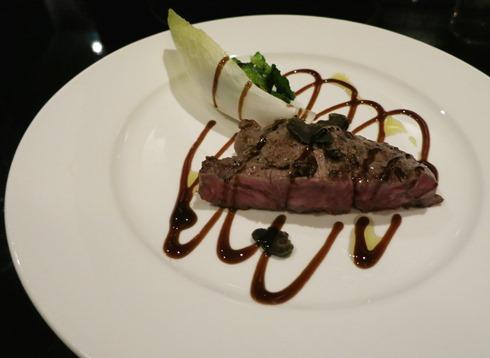 11)黒毛和牛のヒレステーキ