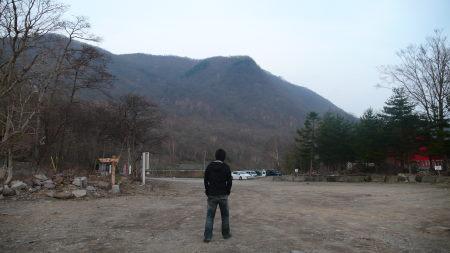 大沼湖から山のを望む