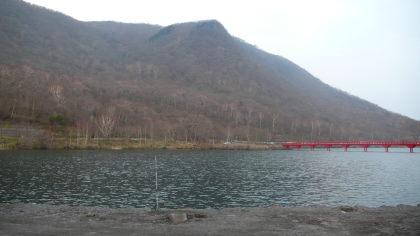 大沼湖に架かる橋1
