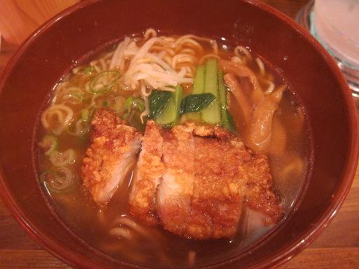 万世拉麺霞が関店(排骨拉麺)