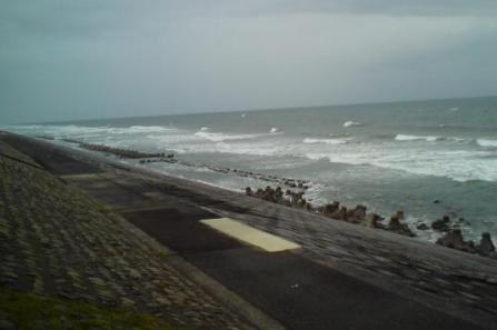 ⑤荒れる海