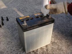 バッテリー液補充2