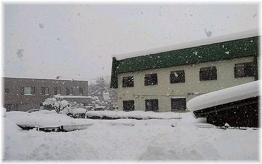 13日庭土砂雪