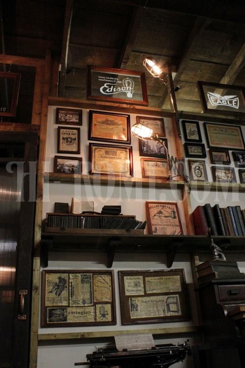 ヴィンテージ工業系ゲージ付きシザーアームのウォールランプ・関西・神戸・アンティークランプ・照明・オーバーホール・修理・製作・店舗設計・什器・照明