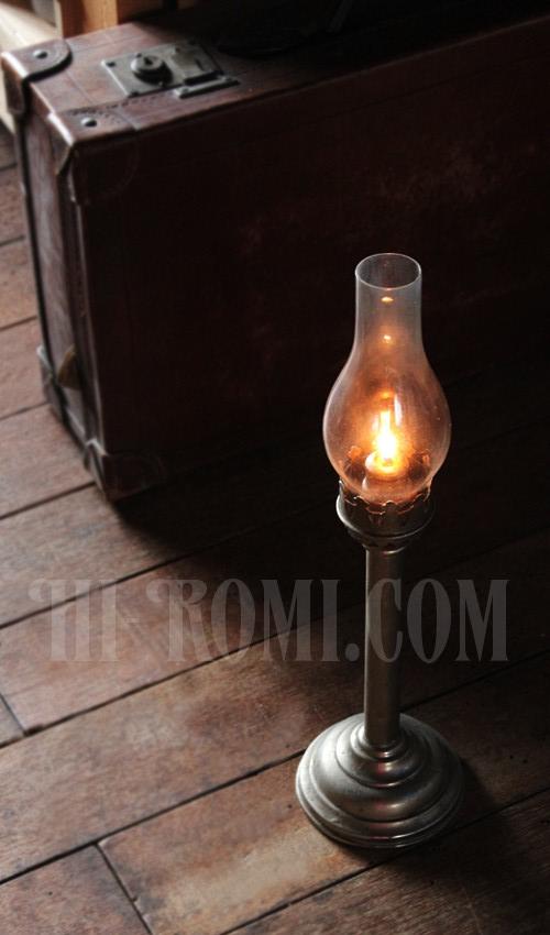 ヴィンテージのキャンドルスティックホルダー、ガラス火屋チムニー 20130402-1