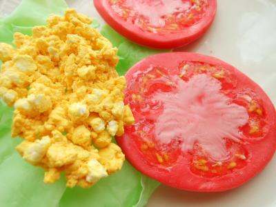 トマト&ミモザ