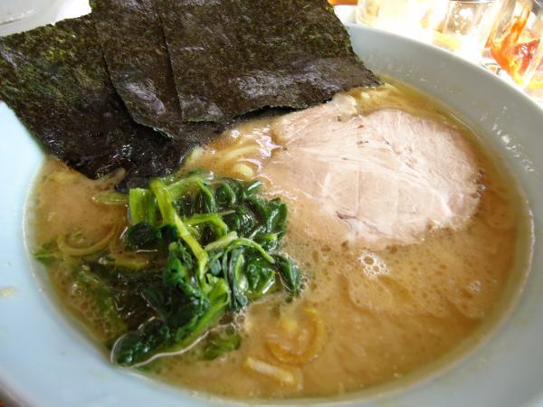 醤油とんこつラーメン (太麺) ¥650