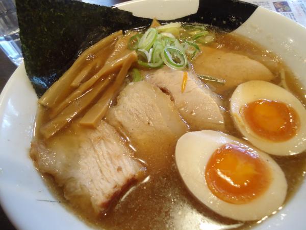 「八」特製煮干し中華¥880