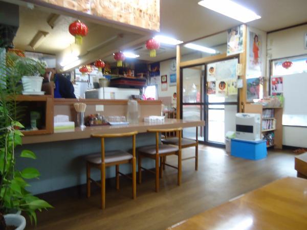 新華拉麺 店内