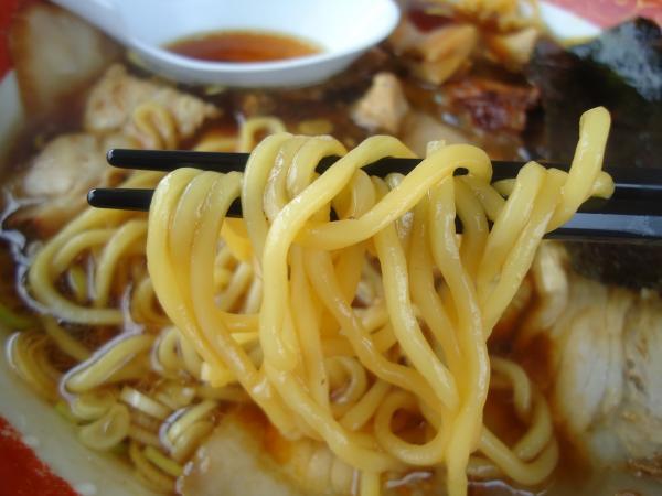 ヒグマ十日町店 麺アップ