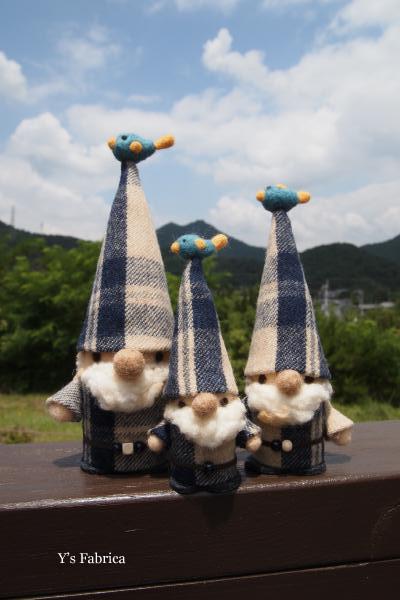 とんがり帽子のトムテ人形、新作です。