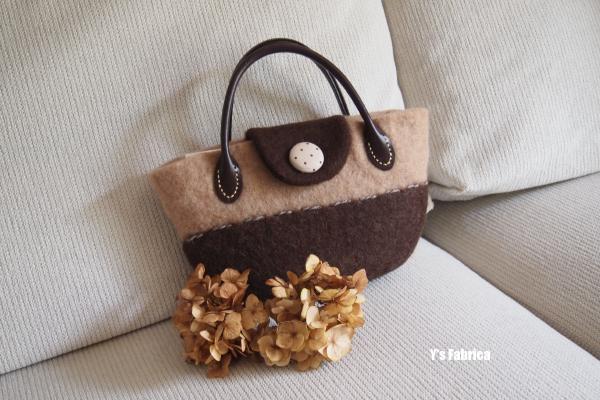 新作のバッグです。