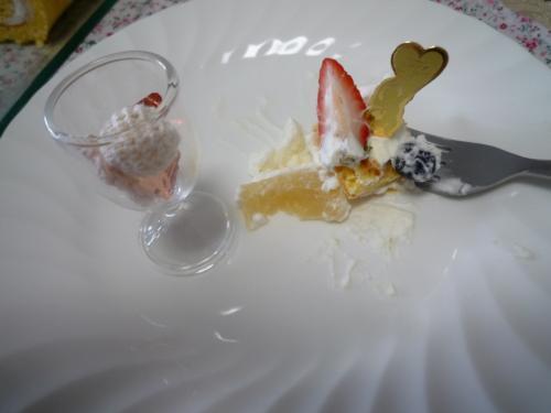 ヨーグルトロールケーキc