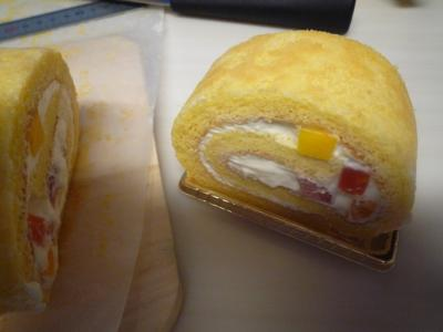お土産ロールケーキ1