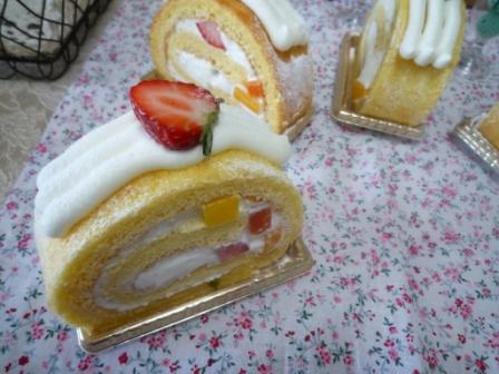 お土産ロールケーキ2a