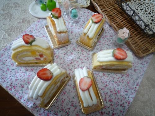 お土産ロールケーキ5d75