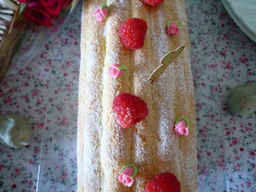 ラズベリーロールケーキc