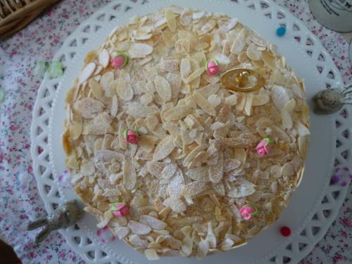 プラリネクリームケーキb