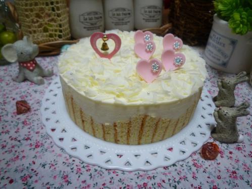 ホワイトチョコムースケーキ