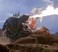 火炎攻撃で東光太郎の救助を妨害するライブキング