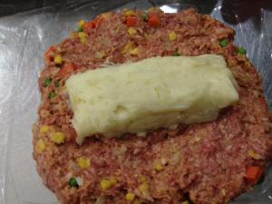 電子レンジで作るチーズポテト入りミートローフ6
