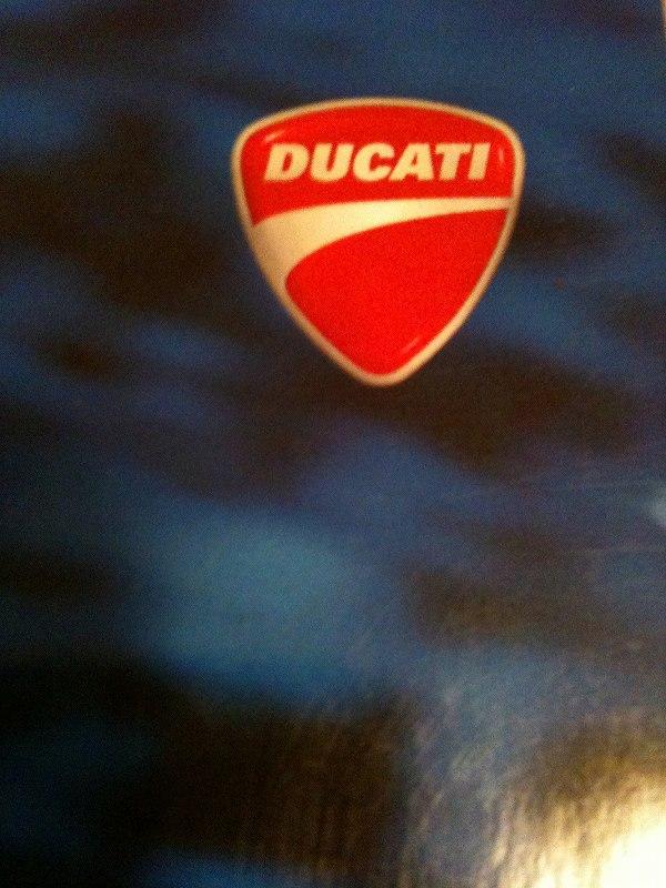 ヘルメット構想 001DUCATI