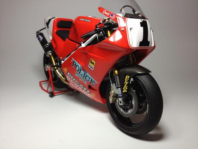 888スーパーバイクレーサー 002DUCATI