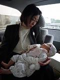 130330_宮参り車中ママと (1)