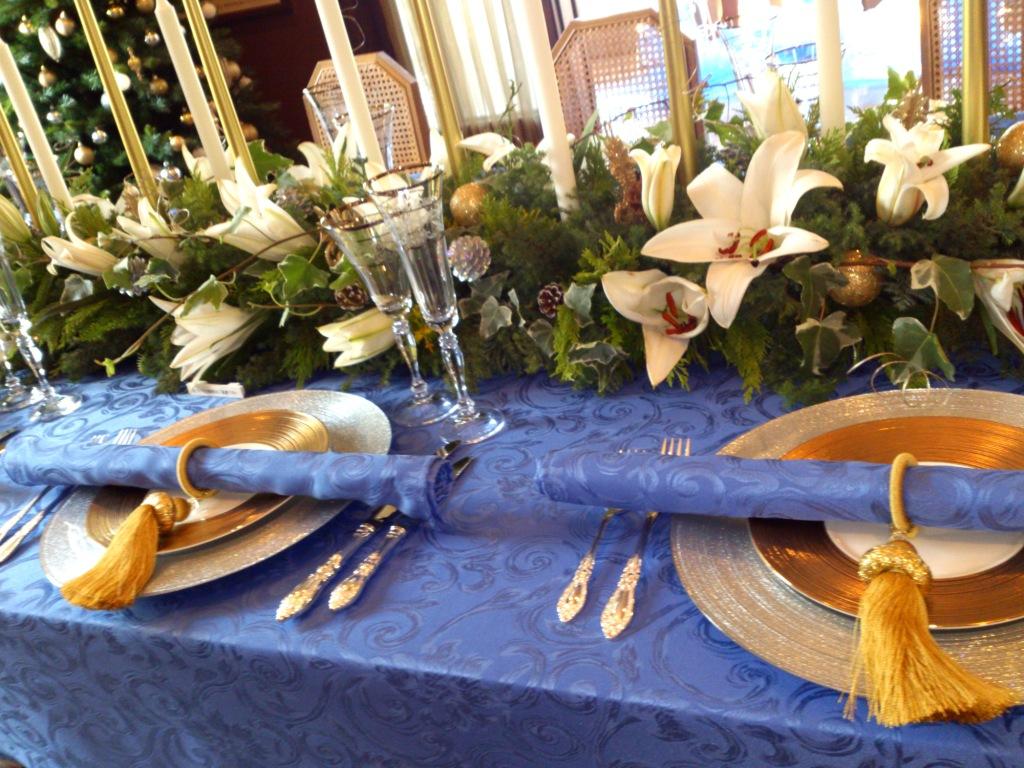 エリスマン邸クリスマスのテーブルアレンジ