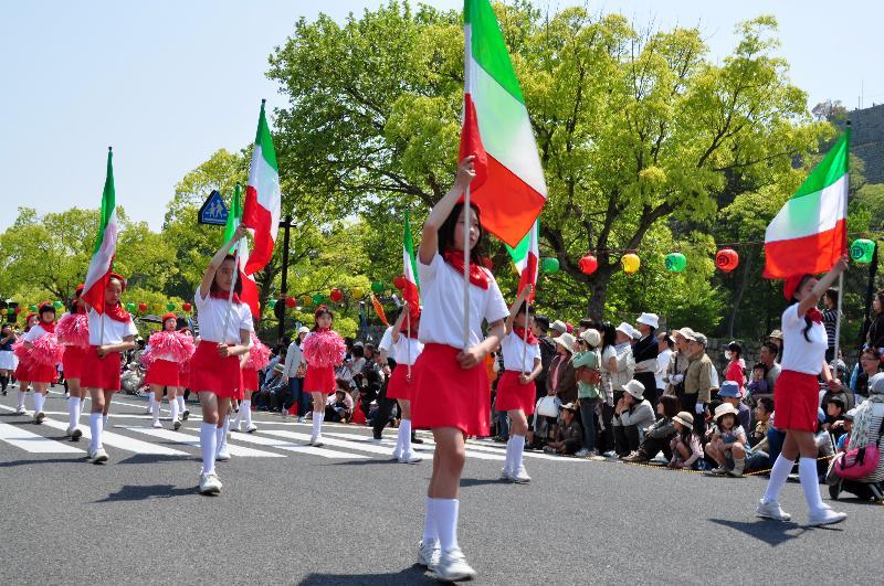 丸亀お城祭り マーチングバンドパレード