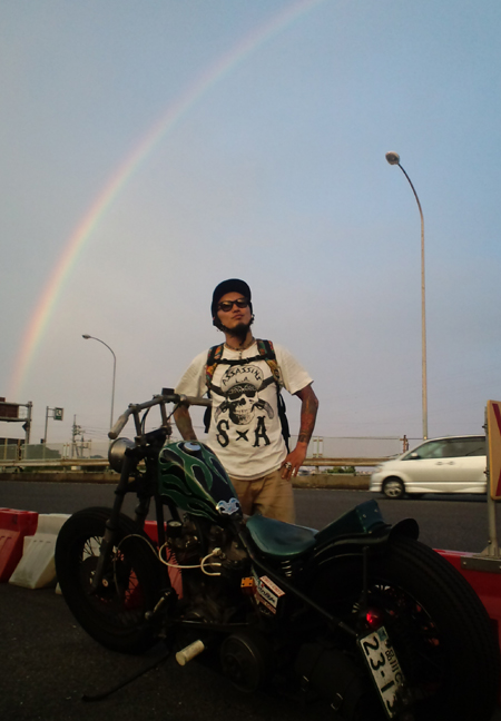 虹とショベル