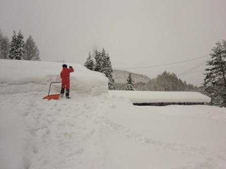 屋根雪2月2