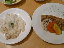 白王豚グリルの雑穀米プレート