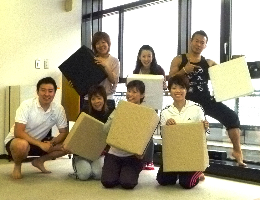 20110528Pilates with フレックスクッション本橋恵美先生3