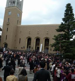 2012.03.26   帰路 講堂前