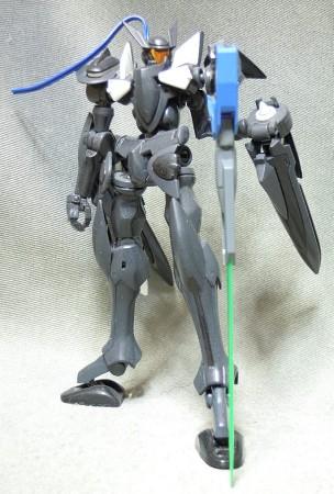 HGブレイヴ指揮官機:GNソードV装備