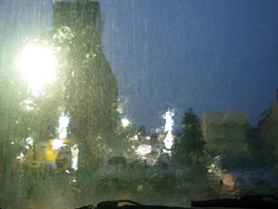 すごい雨です!!