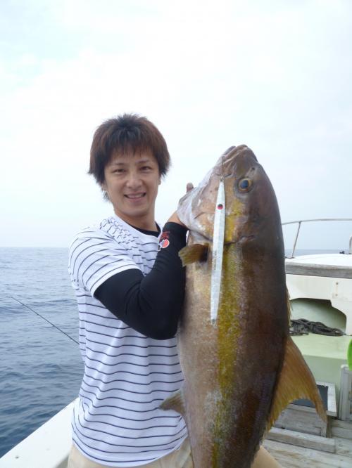谷渕・カンパチ18kg01