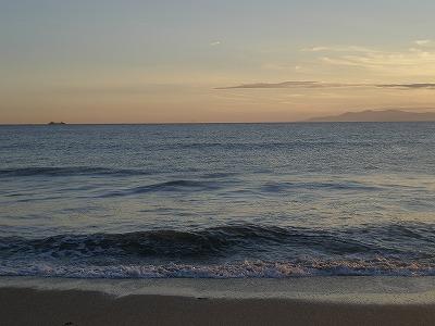 夕日の根本海岸