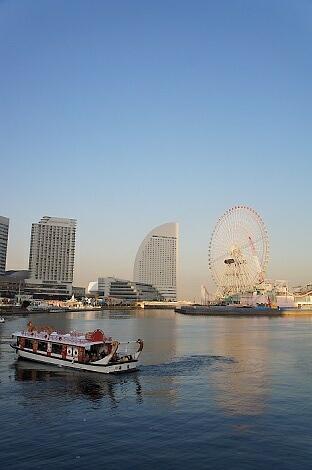 晩秋の横浜201203