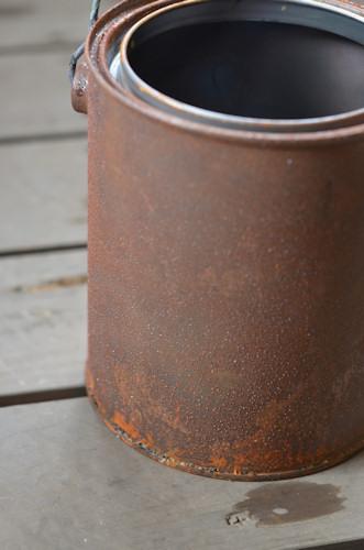 ペンキ缶20111109.jpg