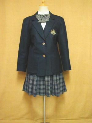 聖徳大学付属高等学校の制服