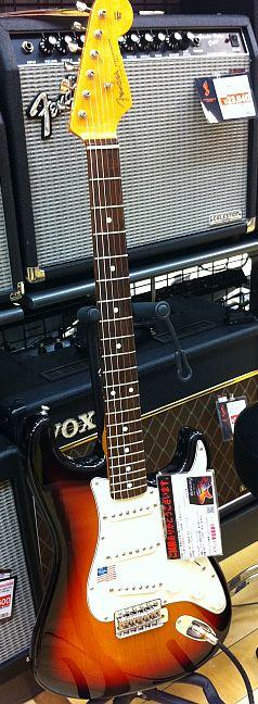 試奏Fender