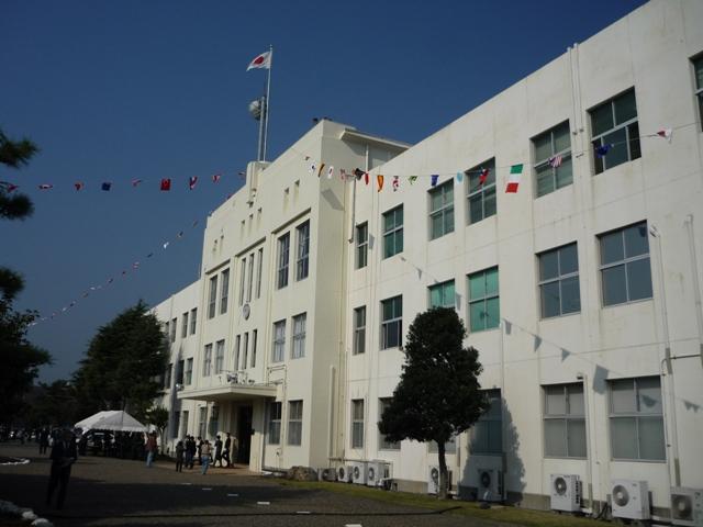 旧海軍通信学校建物