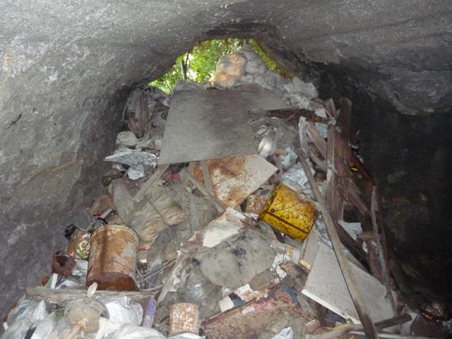 埋もれる壕口