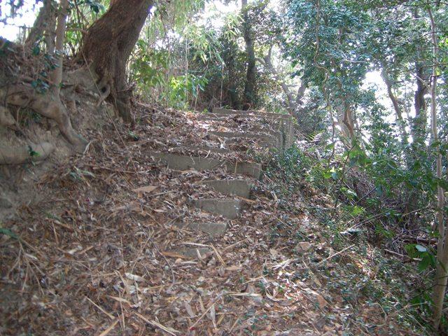 軍道 階段