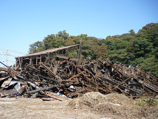 魚雷倉庫残骸