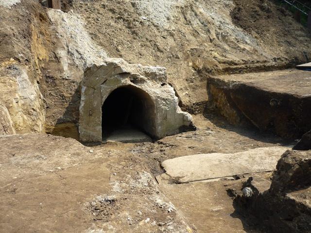 日吉台地下壕出土遺構